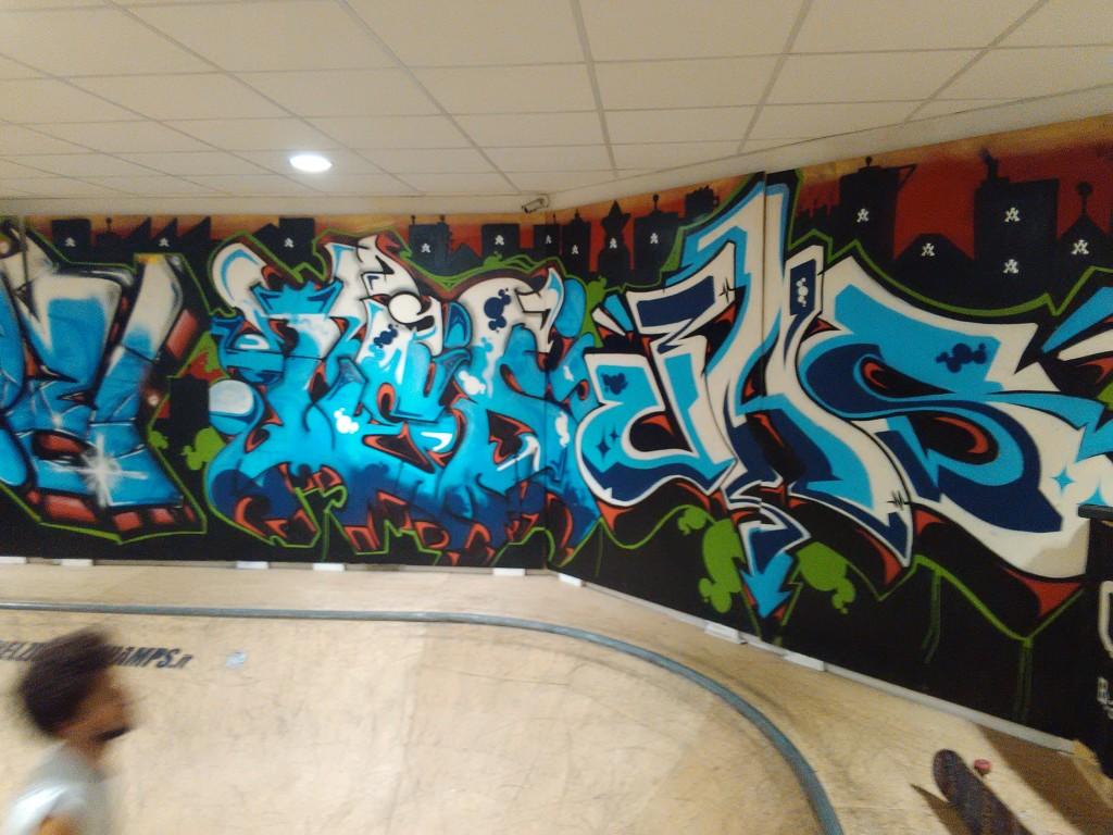 Skate park umbria makemerry make merry abbigliamento e for Interno 09 abbigliamento