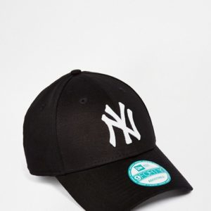 Cappellino visiera curva nero regolabile 9FORTY Essential di New York Yankees MLB di New Era